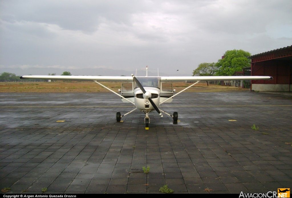 YN-DED - Cessna 150 (Genérico) - Golden Wings