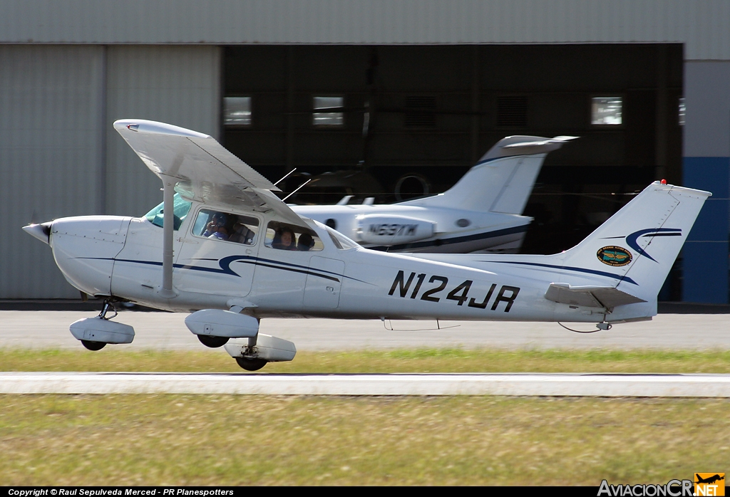 N124JR - Cessna 172M Skyhawk - Isla Grande Flying School