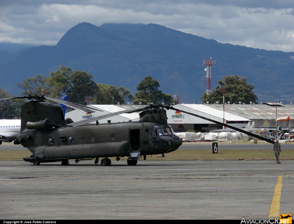 - Boeing CH-47F Chinook - United States Army