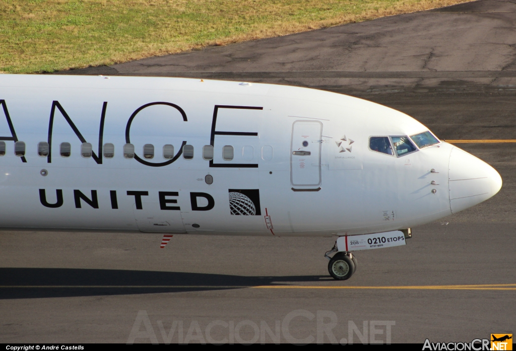 N26210 - Boeing 737-824 - United (Continental Airlines)