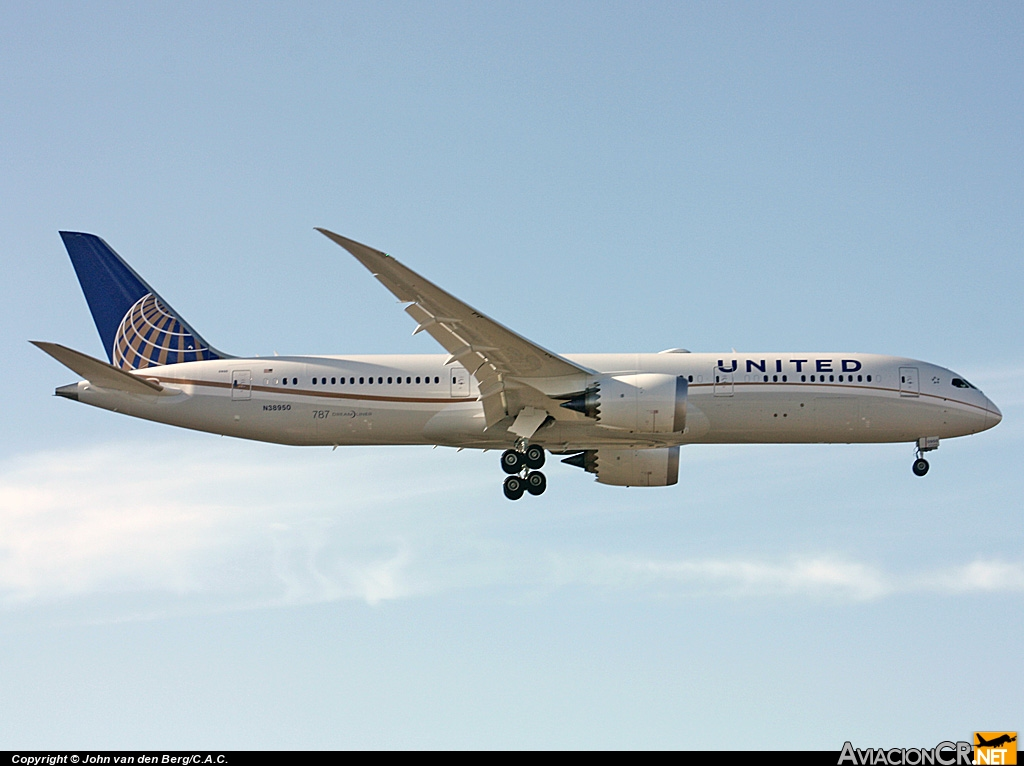 N38950 - Boeing 787-9 - United Airlines