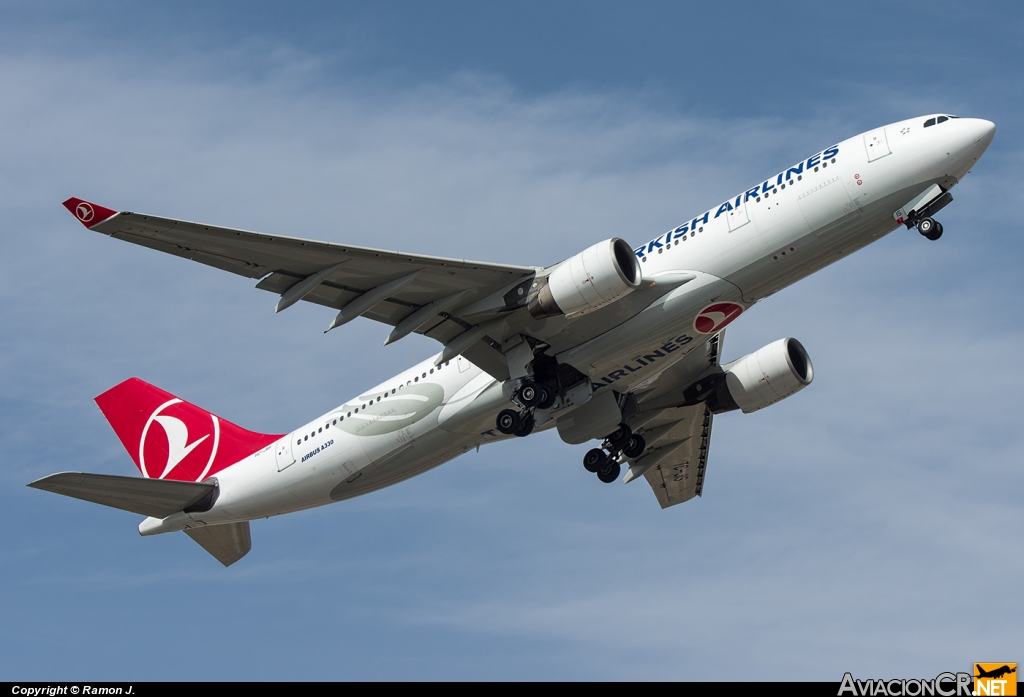 TC-JIS - Airbus A330-222 - Turkish Airlines