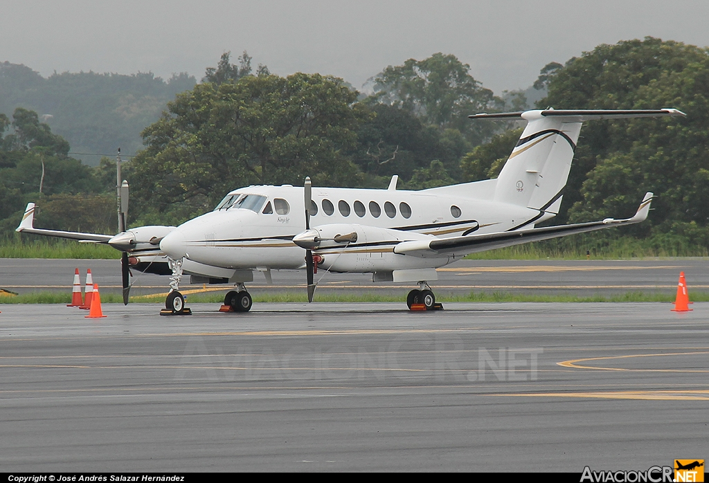 N5JE - Beechcraft Super King Air 300 - Privado