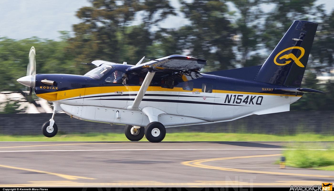 [Brasil] Avião cai na cidade de Goiás, e passageiros sobrevivem Avcr_90071