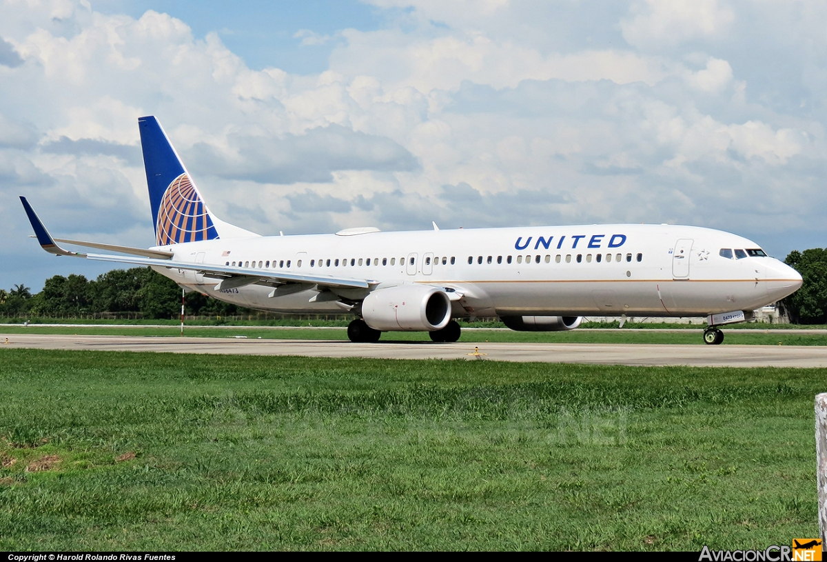 N38473 - Boeing 737-924(ER) - United Airlines